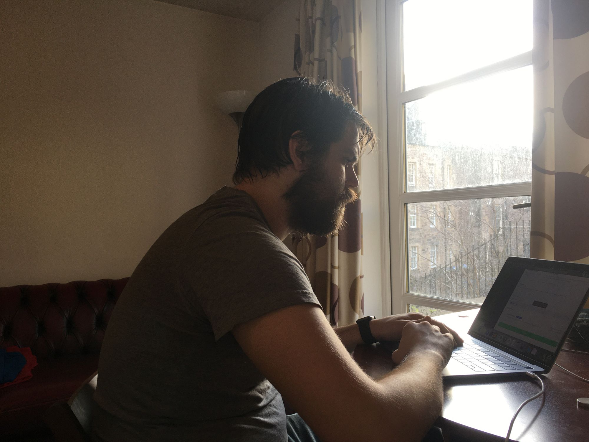 This digital nomad talks learning to code without a degree